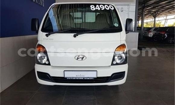 Buy Used Hyundai H200 White Car in Manzini in Manzini
