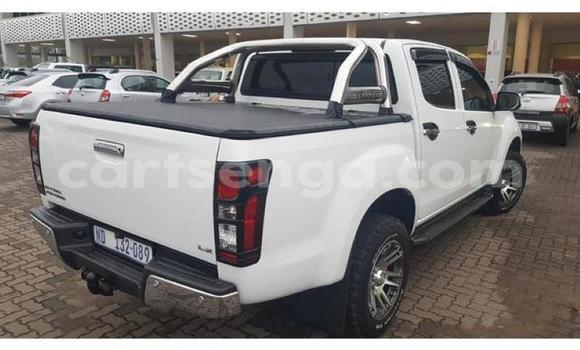 Buy Used Isuzu KB White Car in Ezulwini in Hhohho