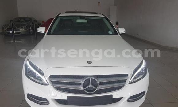 Nunua Ilio tumika Mercedes‒Benz C–Class White Gari ndani ya Manzini nchini Manzini