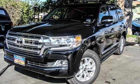 Buy Used Toyota Land Cruiser Black Car in Lobamba in Manzini
