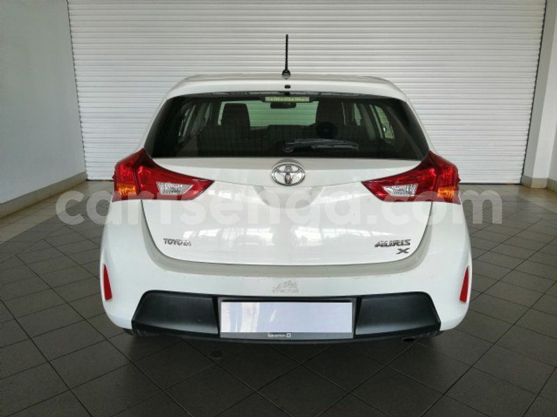 Big with watermark 2013 toyota auris 3