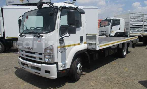Acheter Occasion Utilitaire Isuzu FTR 850 Blanc à Mbabane, Manzini