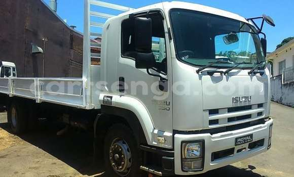 Buy Used Isuzu FTR 850 White Truck in Mbabane in Manzini