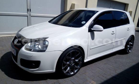 Buy Used Volkswagen Golf White Car in Mbabane in Manzini