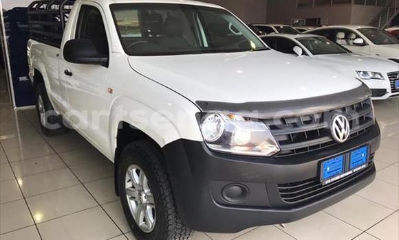 Buy Used Volkswagen Amarok White Car in Bhunya in Manzini