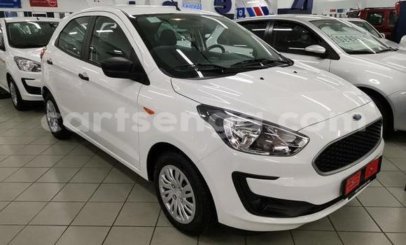 Buy Used Ford Focus White Car in Bhunya in Manzini