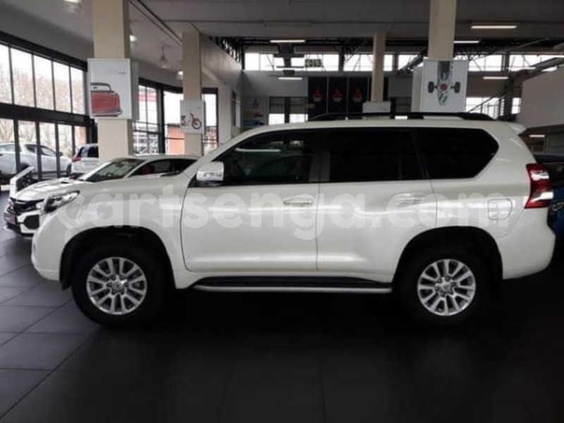 Big with watermark 2015 toyota prado vx 4.0 v6 auto for sale in gauteng 3