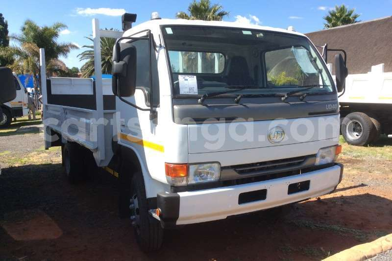 Big with watermark nissan truck dropside ud40 dropside with tail lift 2012 id 60613697 type main