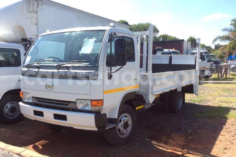 Big with watermark nissan truck dropside ud40 dropside with tail lift 2012 id 60613698 type main