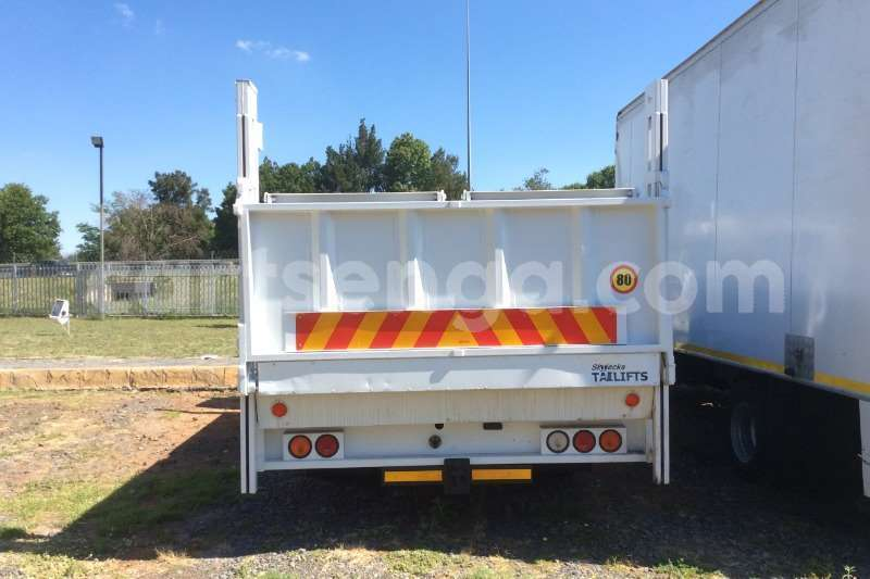 Big with watermark nissan truck dropside ud40 dropside with tail lift 2012 id 60613700 type main