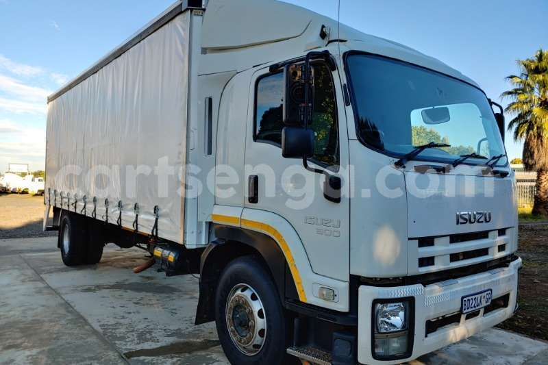 Big with watermark isuzu truck curtain side fvr900 t freighter curtain side 2011 id 62997695 type main