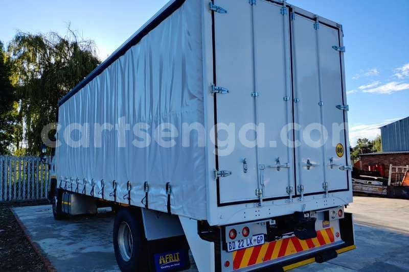 Big with watermark isuzu truck curtain side fvr900 t freighter curtain side 2011 id 62997699 type main