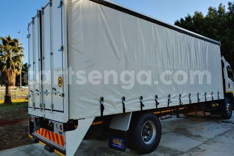 Big with watermark isuzu truck curtain side fvr900 t freighter curtain side 2011 id 62997702 type main