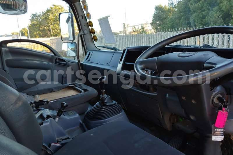 Big with watermark isuzu truck curtain side fvr900 t freighter curtain side 2011 id 62997709 type main