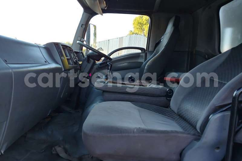 Big with watermark isuzu truck curtain side fvr900 t freighter curtain side 2011 id 62997711 type main