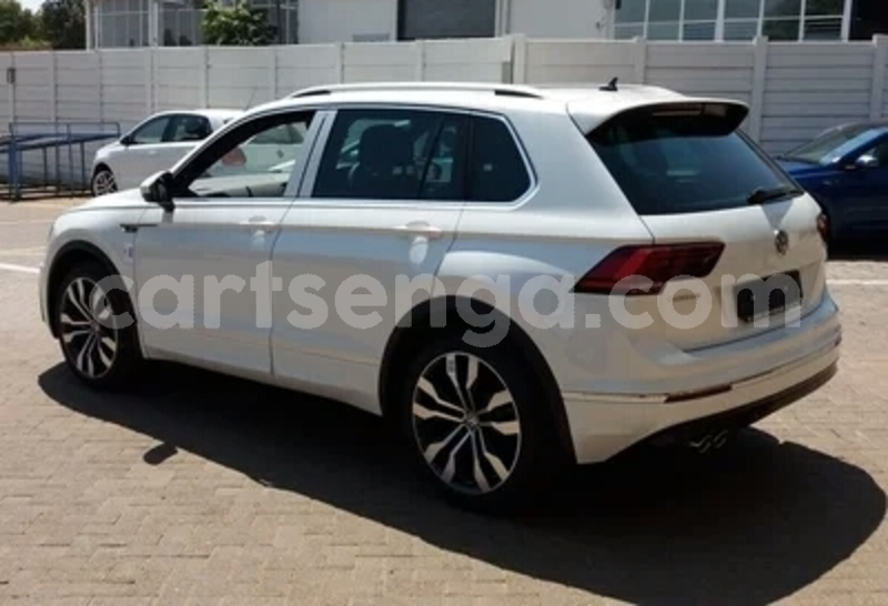 Big with watermark 2015 volkswagen tiguan 2