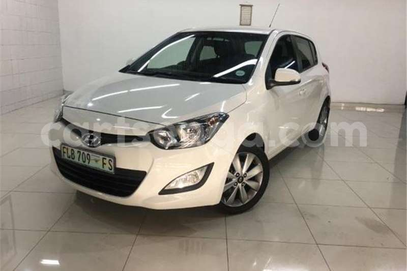 Big with watermark hyundai i20 1 4 glide 2014 id 62837595 type main
