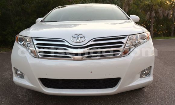 Buy Used Toyota Venza White Car in Manzini in Swaziland