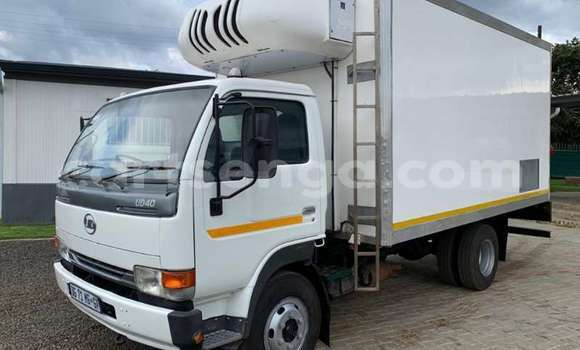 Medium with watermark nissan truck fridge truck ud40 fitted with fridge body 2014 id 62640543 type main