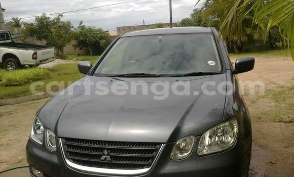 Buy Used Mitsubishi Outlander Green Car in Manzini in Swaziland