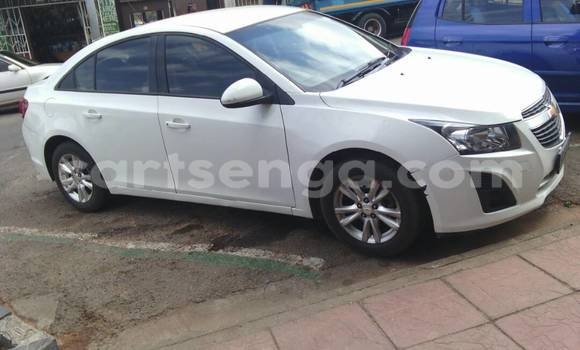 Buy Used Chevrolet Cruze White Car in Mbabane in Swaziland