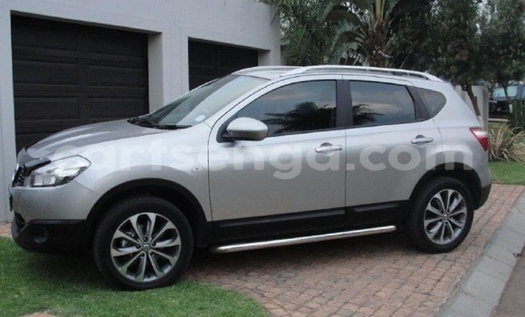 Buy Used Nissan Qashqai Silver Car in Mbabane in Swaziland