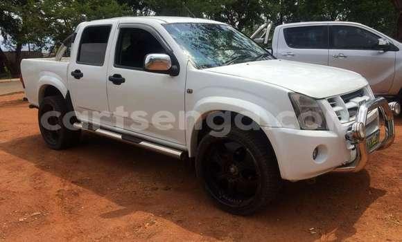 Buy Used Isuzu D-MAX White Car in Manzini in Swaziland