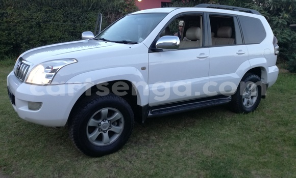 Buy Used Toyota Prado White Car in Mbabane in Swaziland