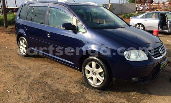Buy Used Volkswagen Touran Blue Car in Manzini in Swaziland