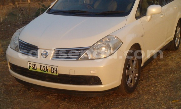 Buy Used Nissan Tiida White Car in Manzini in Swaziland