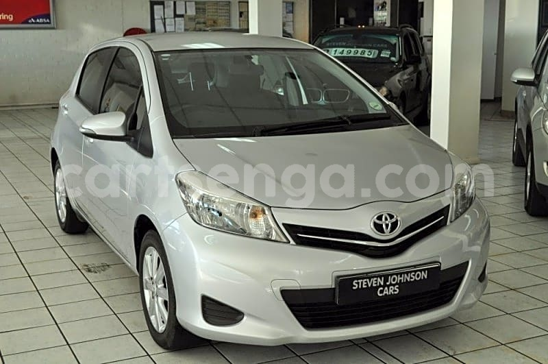 Big with watermark 2013 toyota yaris 1.3 cvt 1