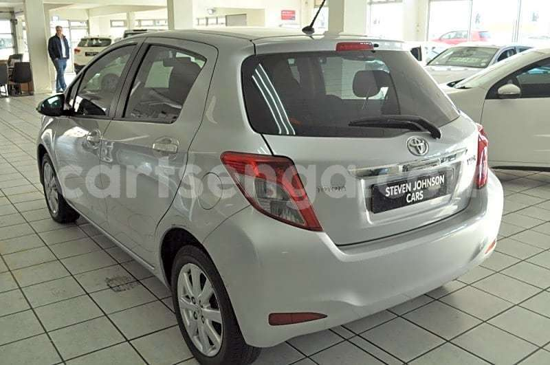 Big with watermark 2013 toyota yaris 1.3 cvt 4