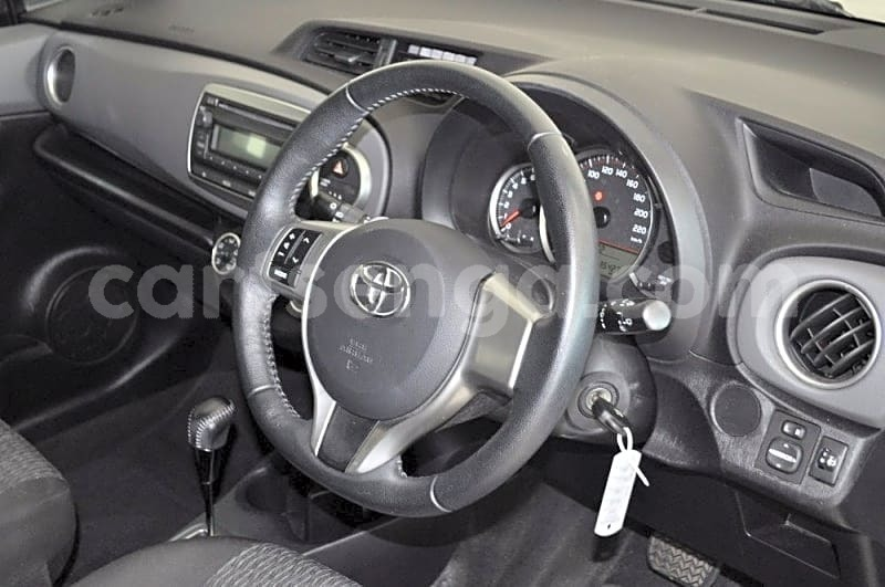 Big with watermark 2013 toyota yaris 1.3 cvt 10