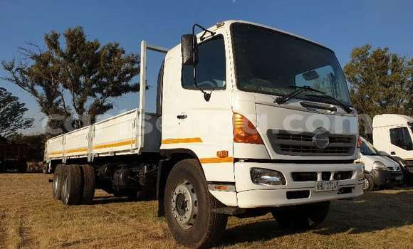 Medium with watermark hino truck dropside hino 17 257 with 8m dropside body tag axle 2008 id 63367342 type main