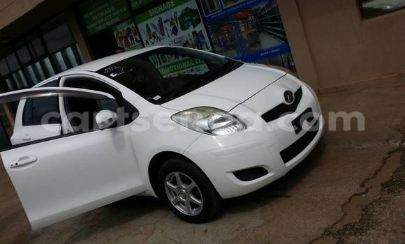 Buy Used Toyota Vitz White Car in Manzini in Swaziland