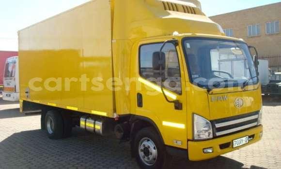 Medium with watermark faw truck fridge truck faw 8 140 5 ton refrigerated truck 2016 id 63820176 type main