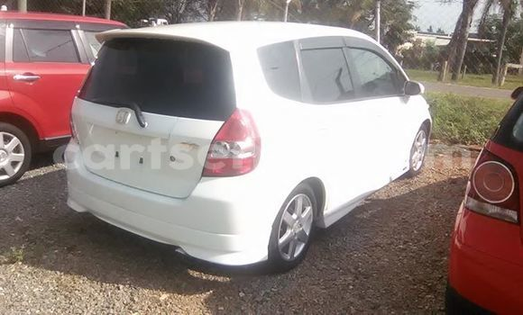 Buy Used Honda Fit White Car in Manzini in Swaziland