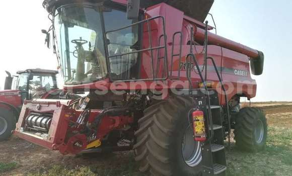 Medium with watermark case combine harvesters and harvesting equipment grain harvesters case ih 7140 2017 id 64132365 type main