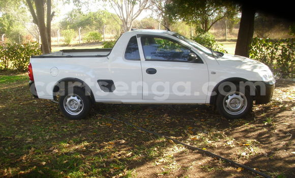 Buy Used Opel Corsa White Car in Simunye in Swaziland