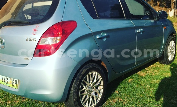Buy Used Hyundai Accent Blue Car in Nhlangano in Swaziland