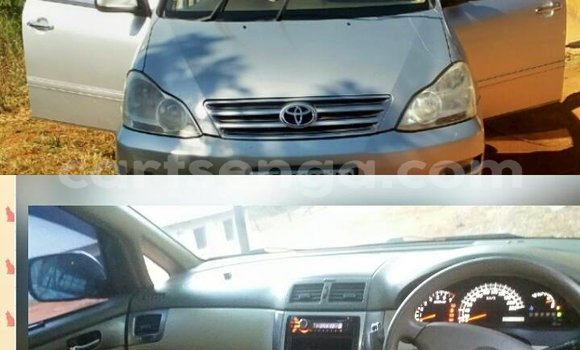 Buy Used Toyota Picnic Silver Car in Mbabane in Manzini